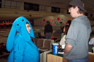 So Max Rebo walks into a bowling alley